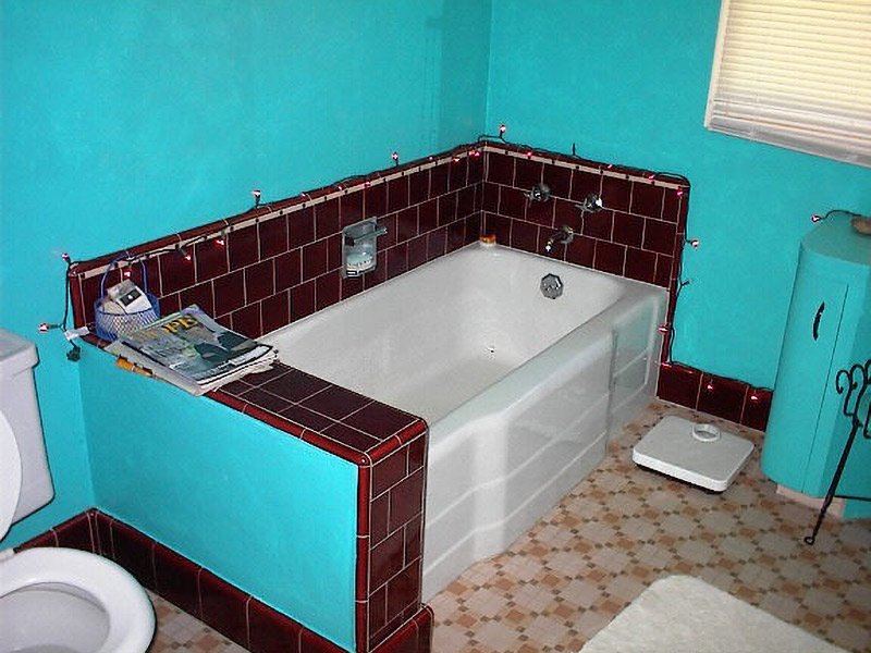 AMI - home inspection sample - proper bathroom lighting